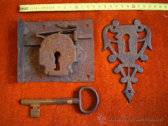 Antigüedades: CERRADURA LLAVE Y BOCALLAVE DE FORJA S XVIII- XIX FUNCIONANDO. - Foto 3 - 29013706
