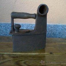 Antigüedades: ANTIGUA PLANCHA DE HIERRO , A CARBON.NUM.6. Lote 29233857