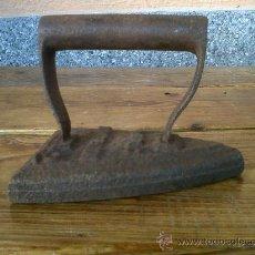 Antigüedades: ANTIGUA PLANCHA DE HIERRO V.R.C. NUM.6. Lote 30770265