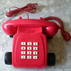 Teléfonos: TELÉFONO LINEA DIRECTA ROJO CON RUEDAS, TECLAS.. Lote 29372367
