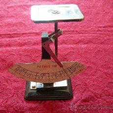 Antigüedades: PESO PARA CARTAS, MARCA PETRUS 118, MIDE 15 CMS DE ALTURA. Lote 29549601