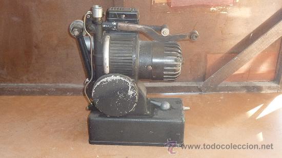 Antigüedades: Antiguo proyector debrie 16, frances. Desconozco del tema. - Foto 2 - 29586502