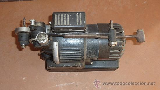 Antigüedades: Antiguo proyector debrie 16, frances. Desconozco del tema. - Foto 4 - 29586502