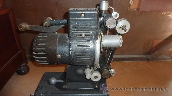 Antigüedades: Antiguo proyector debrie 16, frances. Desconozco del tema. - Foto 8 - 29586502