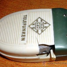 Antigüedades: MAQUINILLA ANTIGUA DE AFEITAR DE CABALLERO MARCA TELEFUNKEN. Lote 29602620