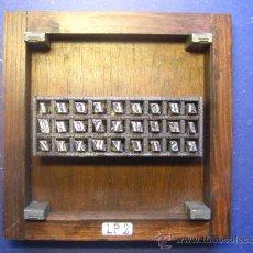 Antigüedades: CUADRO COLLAGE TIPOGRAFICO DE IMPRENTA - MODELO LP-2 TAMAÑO APROX. 15X15 CM - VER FOTOS. Lote 29638280