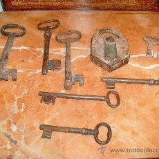 Antigüedades: 7 LLAVES Y CANDADO ANTIGUO... Lote 29689677
