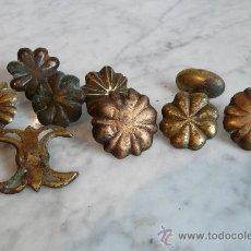 Antigüedades: NUEVE CLAVOS ANTIGUOS DE BRONCE - SIGLO XVII-XVIII. Lote 29716265