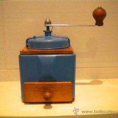 Antigüedades: ANTIGUO MOLINILLO PEUGEOT. Lote 29745647