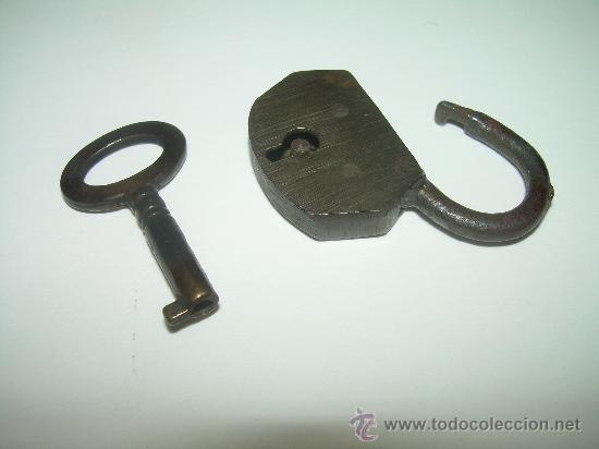 Antigüedades: ANTIGUO Y PEQUEÑO CANDADO DE BRONCE...CON LLAVE - Foto 2 - 29872477