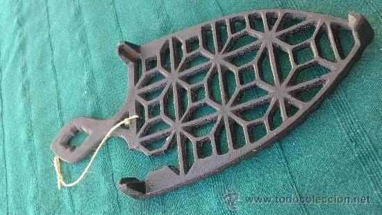 Antigüedades: PIE DE PLANCHA( PIE, SOPORTE O PLANCHERO ) - Foto 3 - 29986965