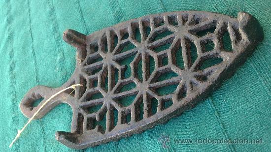 Antigüedades: PIE DE PLANCHA( PIE, SOPORTE O PLANCHERO ) - Foto 2 - 29986961