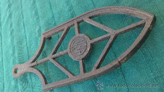 Antigüedades: PIE DE PLANCHA( PIE, SOPORTE O PLANCHERO ) - Foto 5 - 29981751