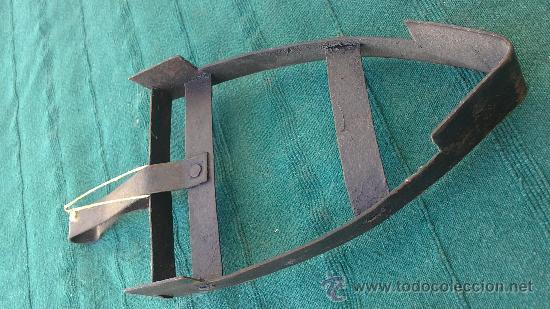 Antigüedades: PIE DE PLANCHA( PIE, SOPORTE O PLANCHERO ) - Foto 2 - 29981739