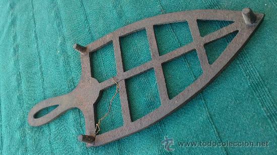 Antigüedades: PIE DE PLANCHA( PIE, SOPORTE O PLANCHERO ) - Foto 8 - 29981725