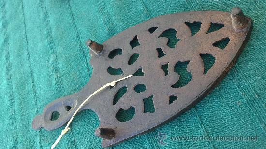 Antigüedades: PIE DE PLANCHA( PIE, SOPORTE O PLANCHERO ) - Foto 2 - 29981690