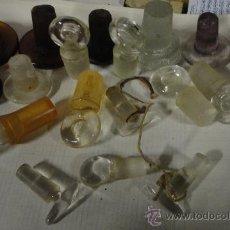 Antigüedades: LOTE DE 19 TAPONES DE FRASCOS DE FARMACIA. Lote 30021456