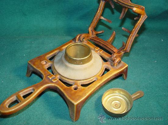 Antigüedades: ANTIGUO INFIERNILLO ESMALTADO DE BOTIQUIN MILITAR DE CAMPAÑA - PARA ESTERILIZAR MATERIAL MEDICO. - Foto 2 - 30085326