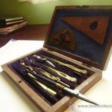 Antigüedades: CAJA DE COMPASES DE MADERA.9 PIEZAS BRONCE Y ACERO.. Lote 30081446