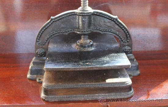 Antigüedades: ANTIGUA PRENSA DE HIERRO PARA PAPEL GRAN PIEZA PARA DECORACIÓN - IMPRENTA - Foto 5 - 30205238