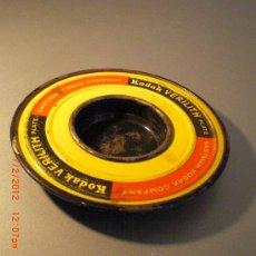 Antigüedades: KODAK CENICERO CON FORMA TAPON DE CARRETE DE FOTOS 16 CMS DIAMETRO 2 CMS ALTO. Lote 30376744