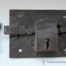 Antigüedades: CERRADURA ANTIGUA DE FORJA - SIGLO XVIII(?).. Lote 30514887