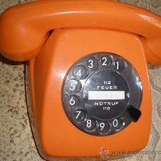 Teléfonos: TELEFONO ALEMÁN ANTIGUO, AÑOS 70, COLOR NARANJA, SIEMENS POST HERALDO. FUNCIONA PERFECTAMENTE.. Lote 30641516