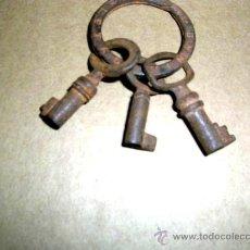 Antigüedades: LLAVERO GALLETAS VIÑAS BARCELONA Y 3 LLAVES. ANTIGUAS DE COFRES-CAJAS,ENVÍO PAGADO.. Lote 30702764