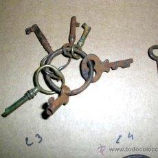 Antigüedades: LLAVES 7 PEQUEÑITAS ANTIGUAS, DE COFRES-CAJAS,1 CANDADO TAMAÑO MUY PEQUEÑO SOBRE1900. . Lote 30702787