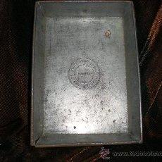 Antigüedades: MOLDE METALICO DE CHOCOLATE. Lote 30741276