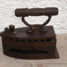 Antigüedades: PLANCHA DE CARBON PARA DECORACION. Lote 30757929