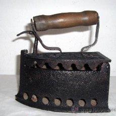 Antigüedades: PLANCHA CARBON ANTIGUA. Lote 30785748
