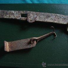 Antigüedades: CIERRE PUERTA.. Lote 30924868