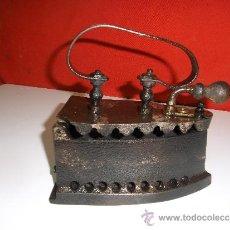 Antigüedades: ANTIGUA PLANCHA DE CARBON Y BRASA COMPLETA Y EN . Lote 30927290