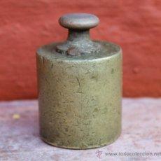 Antigüedades: ANTIGUA PESA EN BRONCE MUY DECORATIVA COMO PISAPAPELES, EN LIBRERÍAS…. Lote 30950532