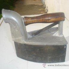 Antigüedades: PLANCHA DE CARBON. Lote 31085229