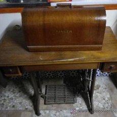 Antigüedades: MAQUINA DE COSER SINGER.. Lote 31223897