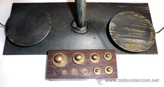 Antigüedades: BALANZA DE PRECISION, FUNCIONANDO CORRECTAMENTE CON PESAS - Foto 2 - 31269456