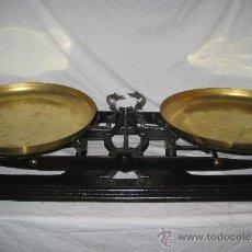 Antigüedades: ESPECTACULAR BALANZA ANTIGUA (60 KG). Lote 31295985