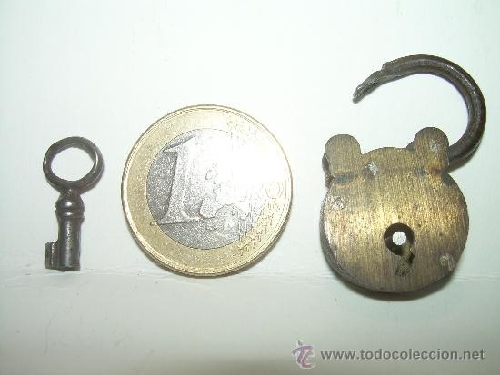 Antigüedades: ANTIGUO Y MINUSCULO CANDADO DE BRONCE CON LLAVE ORIGINAL. - Foto 7 - 31559423