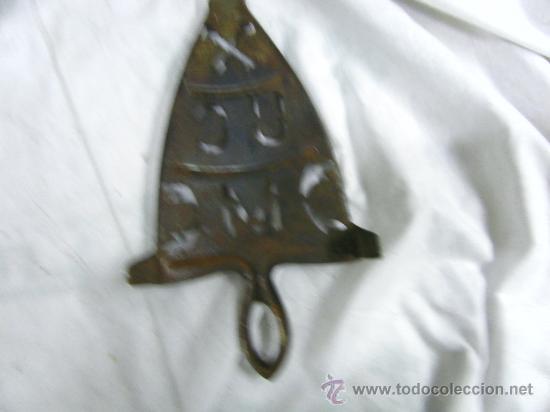 Antigüedades: REPOSA PLANCHAS ANTIGUO - Foto 2 - 31594910