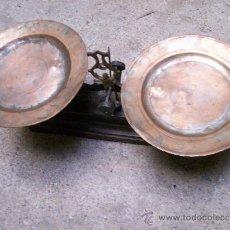 Antigüedades: BASCULA DE PLATILLOS. 45 CMS.. Lote 31681935