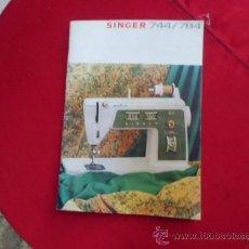 Antigüedades: ANTIGUO MANUAL EN INGLES MAQUINA DE COSER ELECTRICA SINGER MODELO 744/784. Lote 47538538