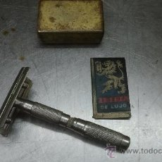 Antigüedades: MAQUINILLA DE AFEITAR PLEGABLE . Lote 31968489