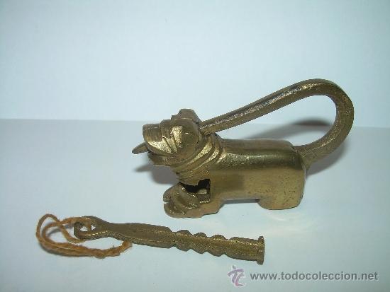 Antigüedades: ANTIGUO Y BONITO CANDADO DE BRONCE. - Foto 3 - 32000184