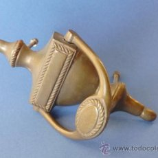 Antigüedades: LLAMADOR COMPLETO DE METAL DE 17 CM DE LARGO. Lote 32044036