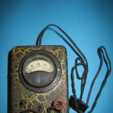 Antigüedades: ANTIGUO VOLTIMETRO DE RADIO CON CABLE. Lote 146061804