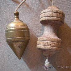Antigüedades: PLOMADA ANTIGUA DE BRONCE. Lote 32225203