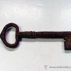 Antigüedades: ANTIGUA LLAVE EN HIERRO. Lote 32255247