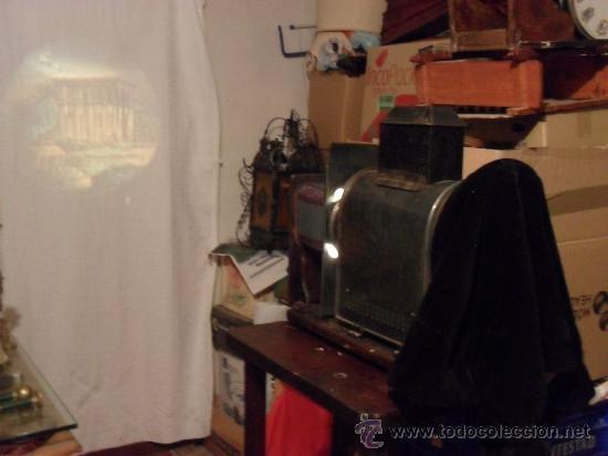 Antigüedades: importante linterna magica,con fotos cristal,muchas fotos mirala,tambien camara fotos - Foto 3 - 32333349